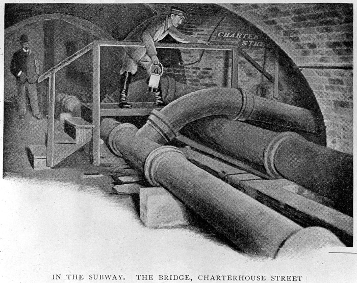 L0000616 Sewage pipes under London, 19th century